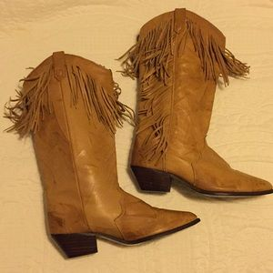 Dingo tan leather boots with fringe